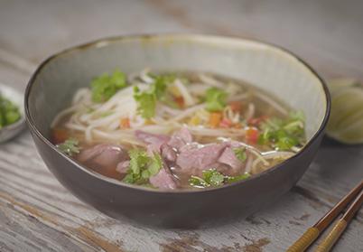 Soupe vietnamienne à l'agneau