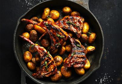Côtes d'agneau caramélisées à la sauce barbecue